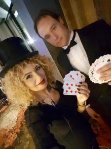 goochelaar en assistente
