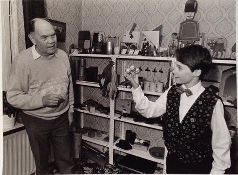 Goochelaar Jordi met leermeester Joop Eiland