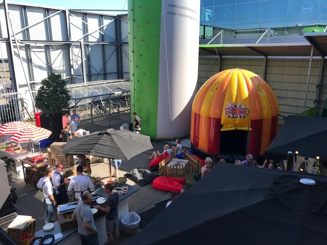goochelaar op een festival in Wateringen